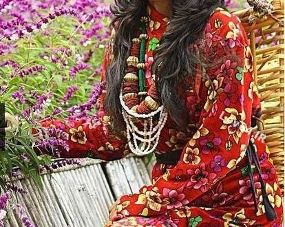 پوشش زنان اقوام مختلف + تصاویر,فان جو,love4,لباس زنان اقوام,لباس زنان اقوام مختلف در دنیا,لباس های اقوام مختلف,نشنال جئوگرافیک,گالری تصاویر