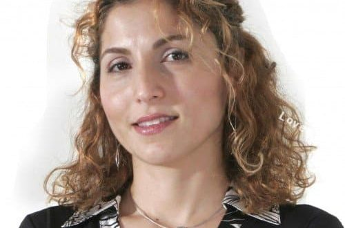 بیوگرافی انوشه انصاری