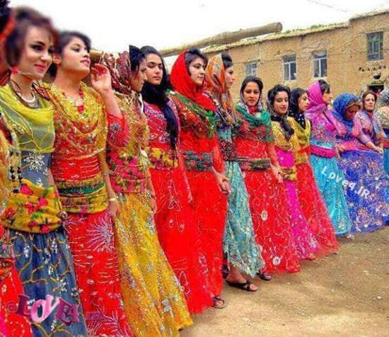 تصاویر رقص و پایکوبی دختران کرد در مراسم شعله آتش