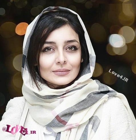 عکس ساره بیات در ورزشگاه ابوظبی بازی پرسپولیس الوحده امارات