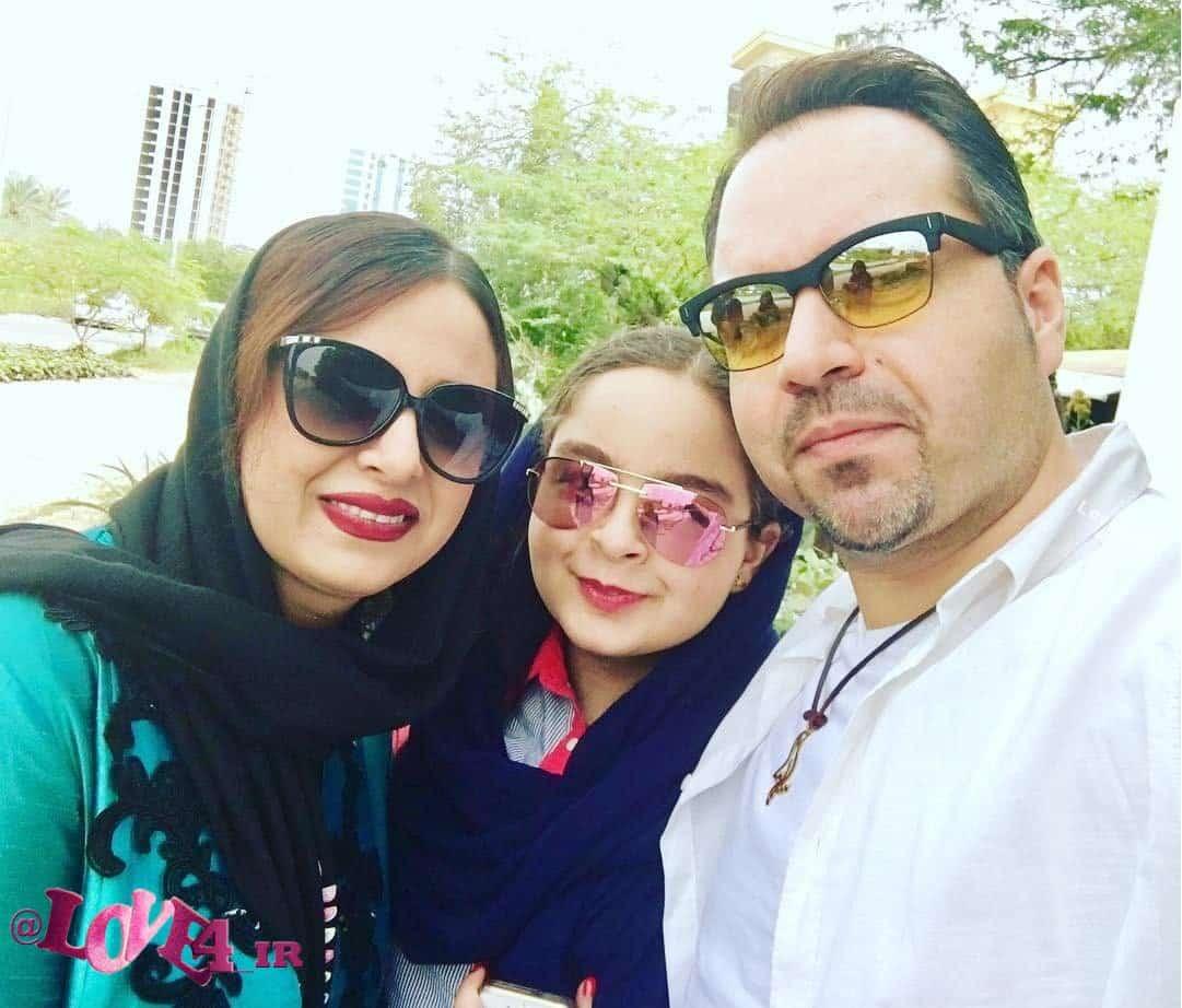 عکس سلفی شهرام قائدی در کنار همسر و دخترش سارینا