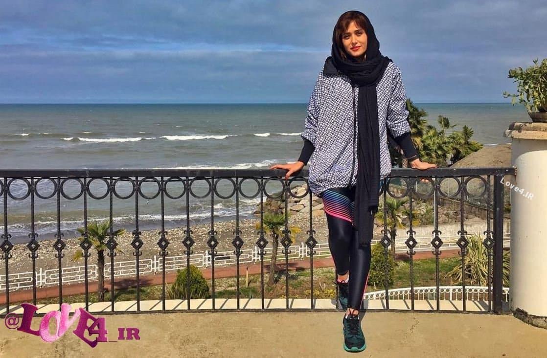 تیپ و مدل لباس ساحلی پریناز ایزدیار در تعطیلات نوروز