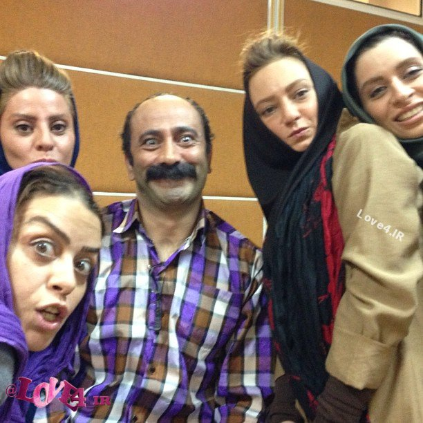 ژست خنده دار بازیگران زن کنارعارف لرستانی +سلفی بازیگران زن با عارف لرستانی!