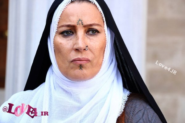 بیوگرافی وحیده پرچین بازیگر نقش گلرو در سریال هسل +تصاویر