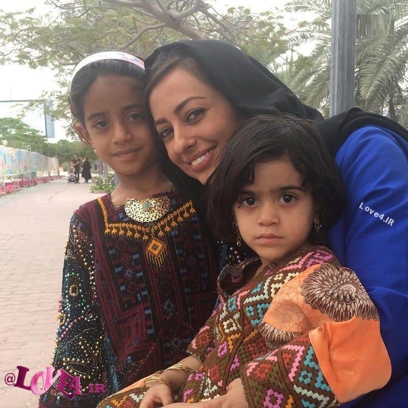 عکس اینستاگرامی خانم بازیگر در کنار دختران بلوچی!