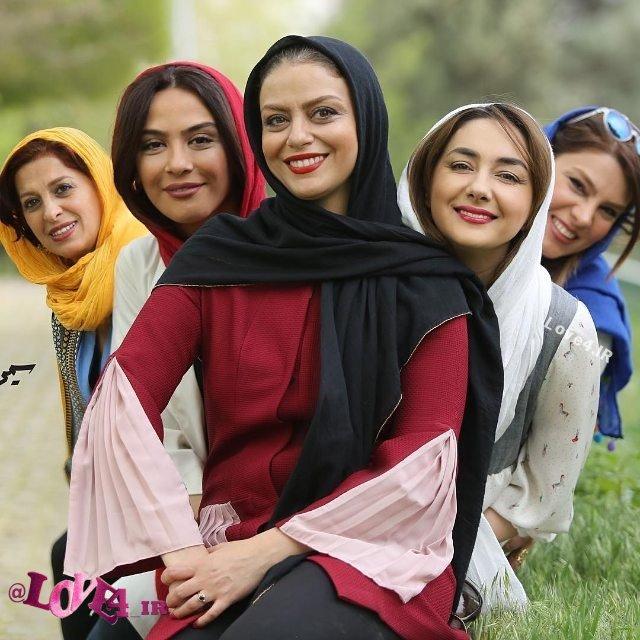 عکس تیم اسکواش هنرمندان زن ایرانی