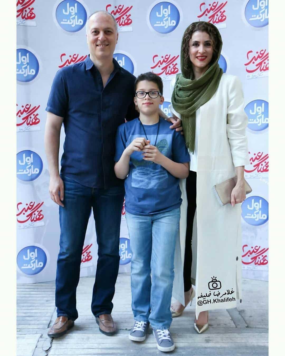 ویشکا آسایش همراه همسر و فرزندش در اکران فیلم نهنگ عنبر۲