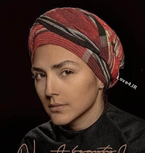 مد بستن لونگ به جای روسری توسط خانم بازیگر /حاشیه هدی زین العابدین