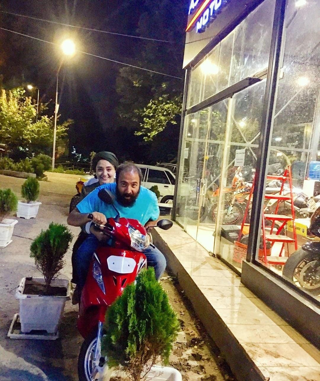 عکس خوشگذرانی نرگس محمدی و همسرش +اینستاگرام