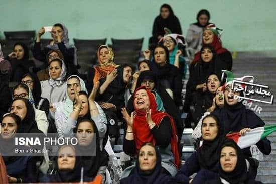 زنان تماشاگر در بازی ایران و بلژیک