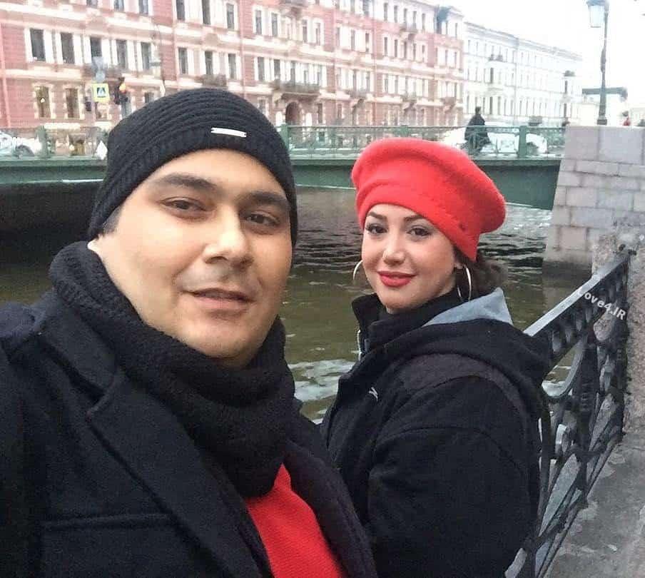 سلفی غزل بدیعی و همسرش رضا داودنژاد در روسیه