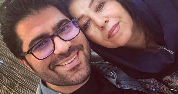 عکس حامد همایون کنار مادرش