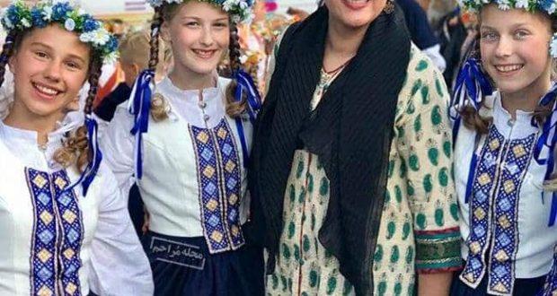 مدل لباس و تیپ لاله اسکندری و محمدرضا هدایتی در جشنواره بلغارستان