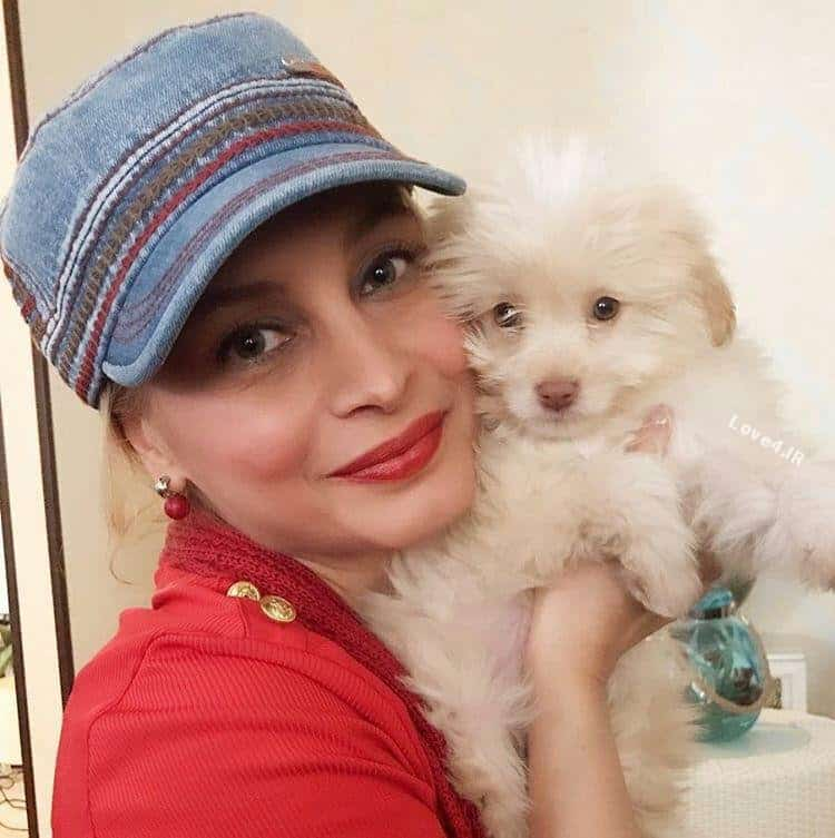 عکس اینستاگرام مریم کاویانی با سگ خانگی