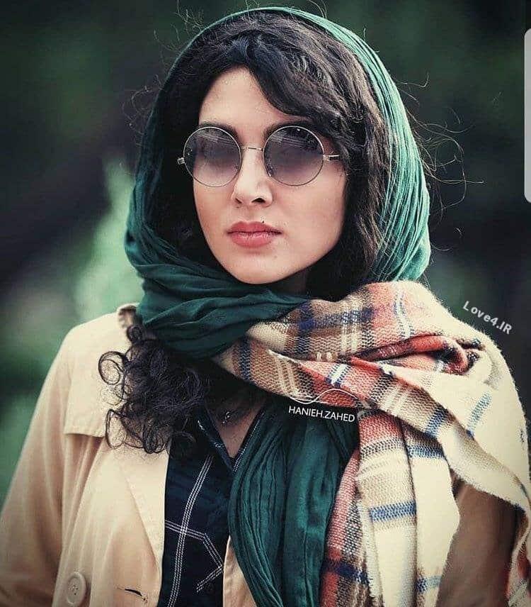 عکس جدید سارا رسول زاده با پوشش زمستانی